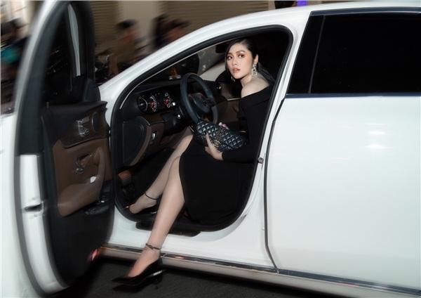 Hoa hậu Huỳnh Tiên: Mua đồ hiệu là một cách đầu tư thông minh - Hình 2