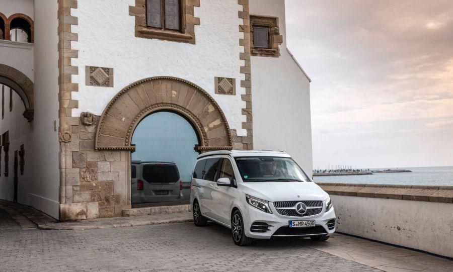 Mercedes V-Class 2019 - chiếc minivan sang trọng và đẳng cấp qua loạt ảnh chi tiết - Hình 2