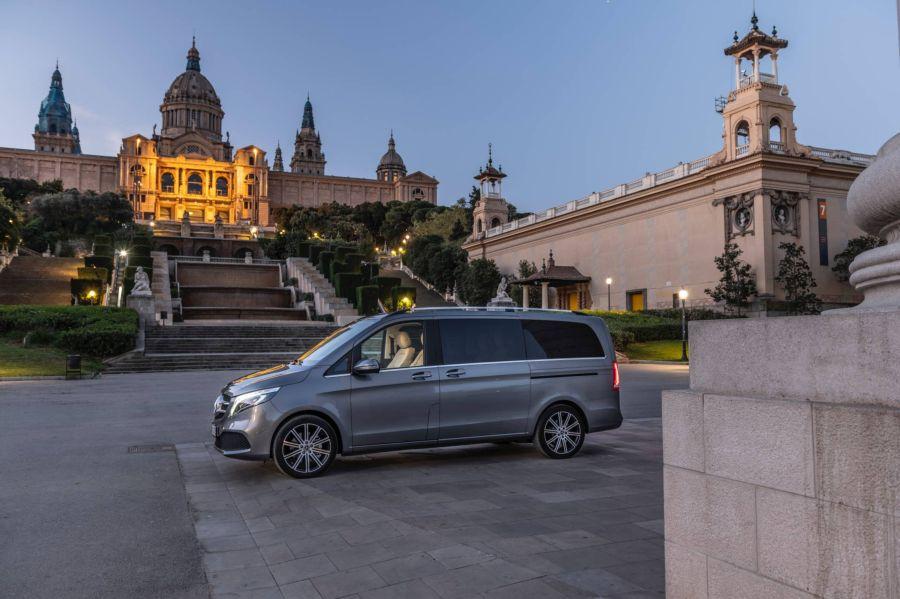 Mercedes V-Class 2019 - chiếc minivan sang trọng và đẳng cấp qua loạt ảnh chi tiết - Hình 14