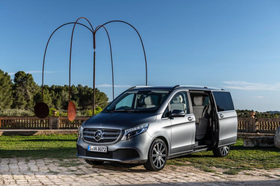 Mercedes V-Class 2019 - chiếc minivan sang trọng và đẳng cấp qua loạt ảnh chi tiết - Hình 1