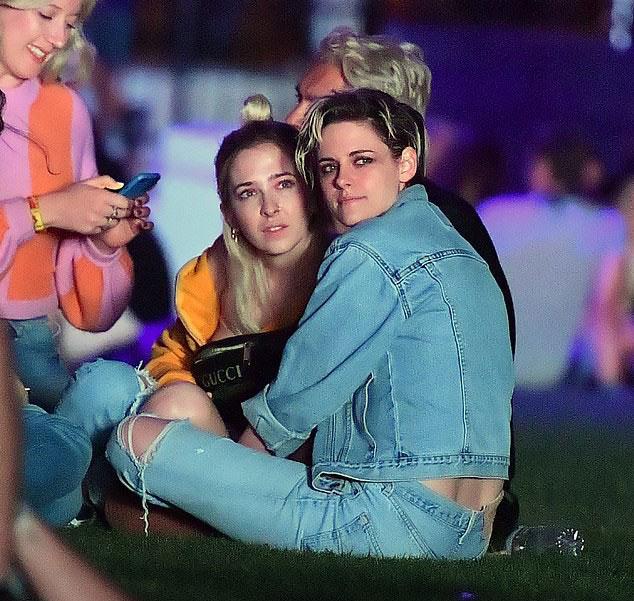 Tỷ phú Kylie Jenner và bạn trai đi xem ca nhạc bằng phi cơ riêng - Hình 11