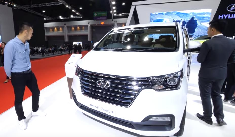 Video Khám phá xe MPV Hyundai Grand Starex VIP 7 chỗ cực chuẩn. Đối thủ của Grand Sedona và Alphard - Hình 2