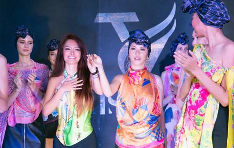 Hoa hậu hàng không thả dáng bên du thuyền triệu đô - Hình 3