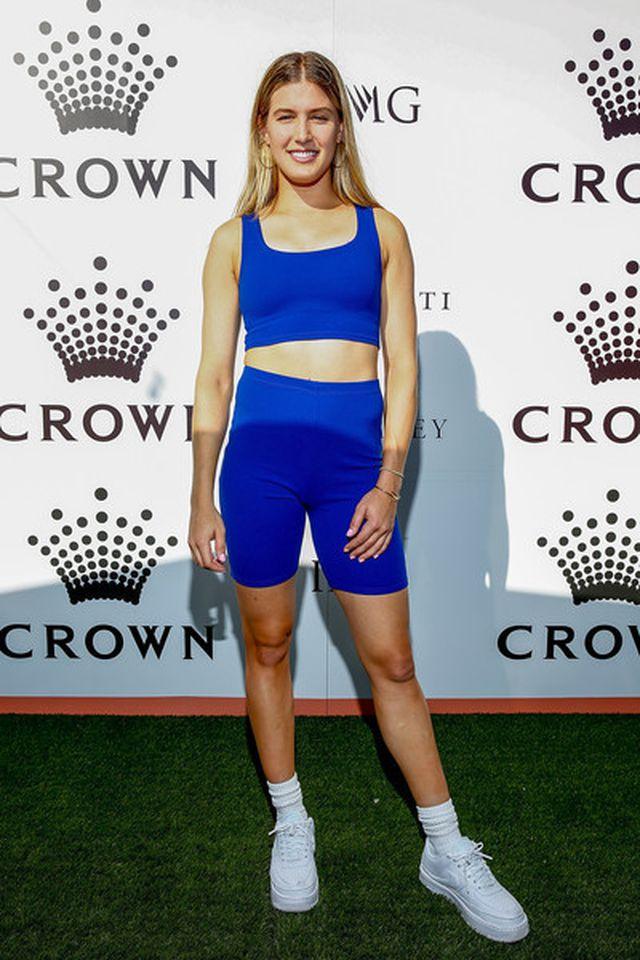 Ngưỡng mộ dáng vóc khỏe đẹp của tay vợt nữ Eugenie Bouchard - Hình 7