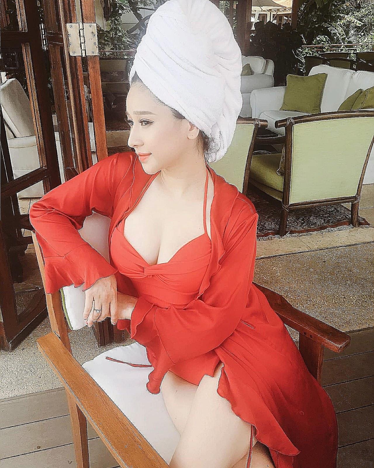Vợ cũ Hồ Quang Hiếu tung loạt hình nóng sau 2 năm bị trầm cảm vì ly hôn - Hình 7