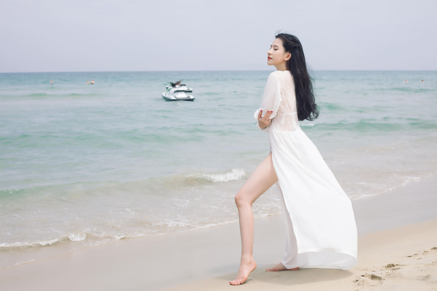 Vợ cũ Hồ Quang Hiếu tung loạt hình nóng sau 2 năm bị trầm cảm vì ly hôn - Hình 11