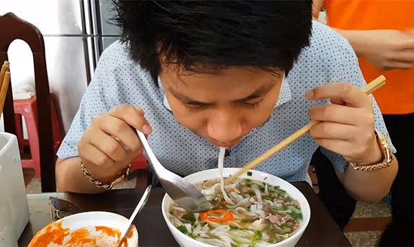 Bị lễ tân ở Hà Nội dọa đấm, Khoa Pug trốn chui trong khách sạn và không dám review sau vụ Aroma - Hình 4