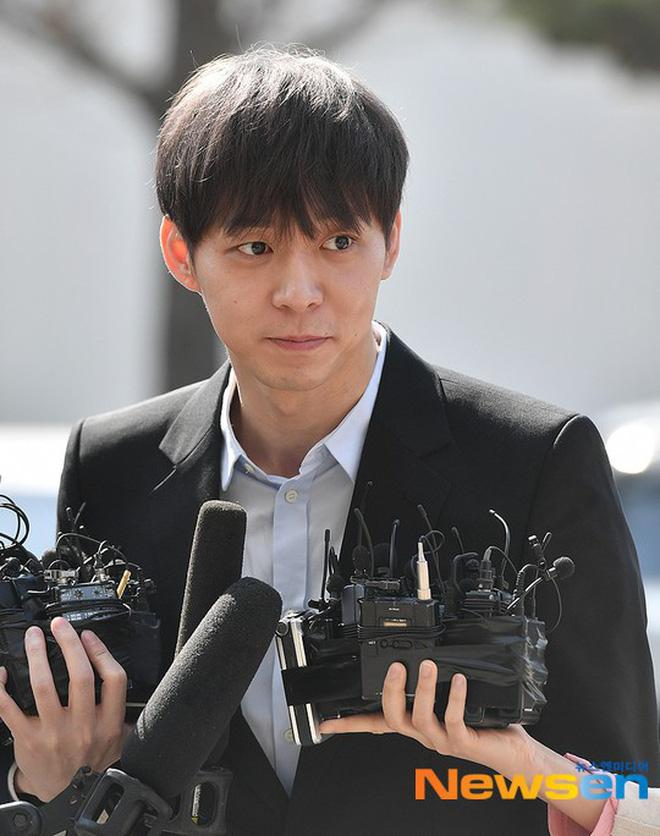 NÓNG: Cảnh sát có trong tay CCTV chứng minh Yoochun lén lút mua bán chất cấm - Hình 3