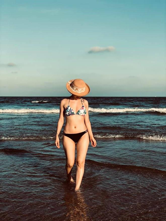 Phương Linh khoe loạt ảnh bikini mới, để lộ nhược điểm - Hình 3