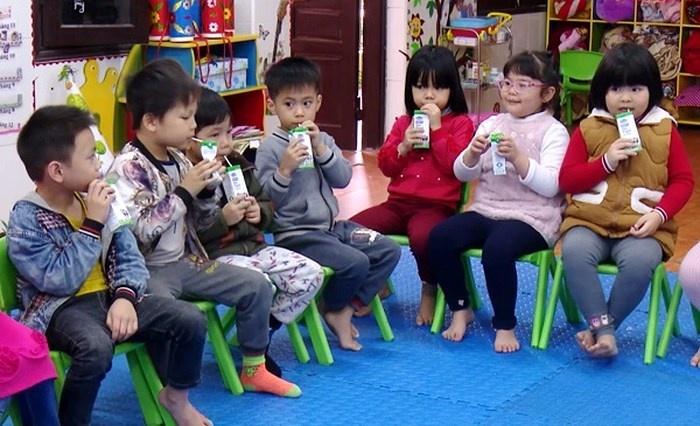 Chưa phát hiện vi phạm về chất lượng sữa học đường - Hình 1