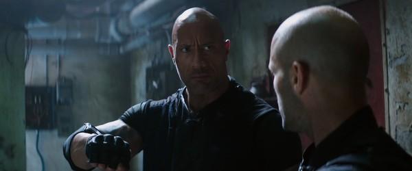 Fast & Furious: Hobbs & Shaw tung trailer hài hước, bùng nổ khói lửa và liên tưởng đến Captain America lẫn Black Panther? - Hình 5