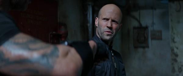 Fast & Furious: Hobbs & Shaw tung trailer hài hước, bùng nổ khói lửa và liên tưởng đến Captain America lẫn Black Panther? - Hình 6