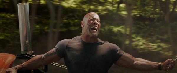 Fast & Furious: Hobbs & Shaw tung trailer hài hước, bùng nổ khói lửa và liên tưởng đến Captain America lẫn Black Panther? - Hình 25
