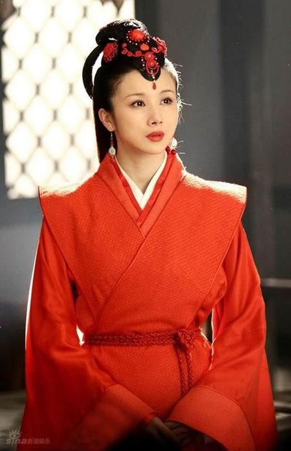 Hoài niệm về những mỹ nhân cổ trang nổi tiếng trên màn ảnh Hoa ngữ một thời - Hình 5
