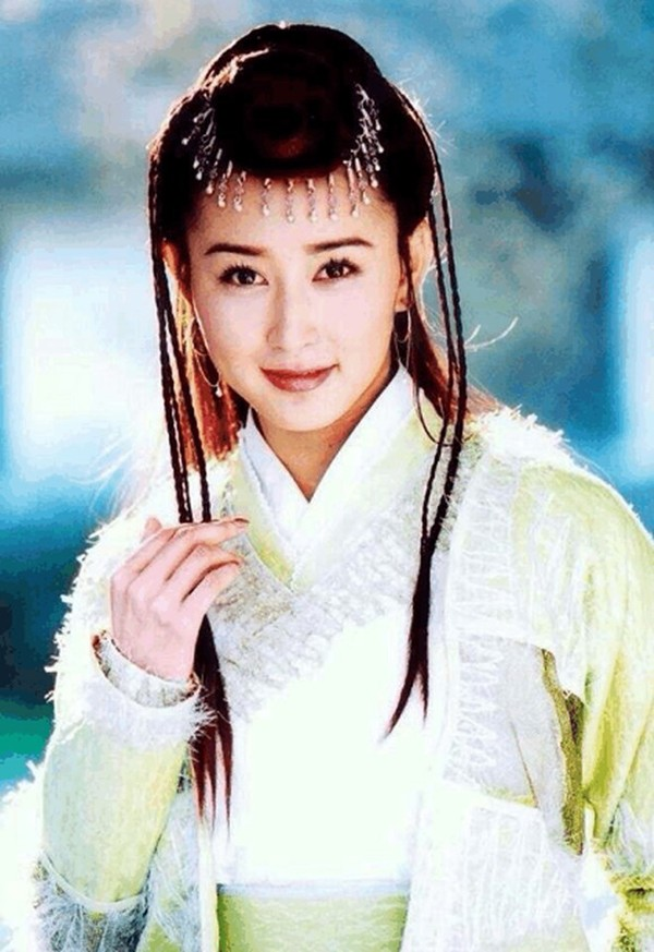 Hoài niệm về những mỹ nhân cổ trang nổi tiếng trên màn ảnh Hoa ngữ một thời - Hình 19