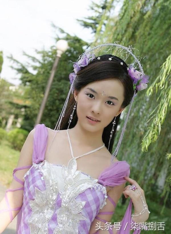 Hoài niệm về những mỹ nhân cổ trang nổi tiếng trên màn ảnh Hoa ngữ một thời - Hình 7
