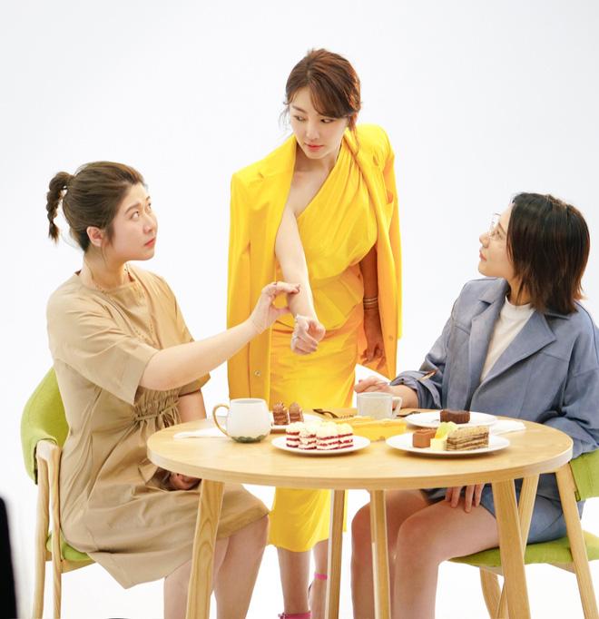 Song Hye Kyo Trung Quốc lộ nhẫn kim cương khủng, chuẩn bị cưới đại gia lần 3 sau scandal đâm chồng cũ? - Hình 4