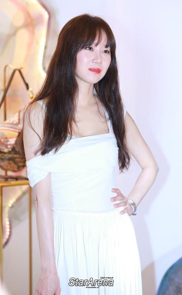 Khi hoa trà nở: 3 nam thần theo đuổi Gong Hyo Jin, Kang Ha Neul - Kim Ji Suk là 2 trong số đó - Hình 5