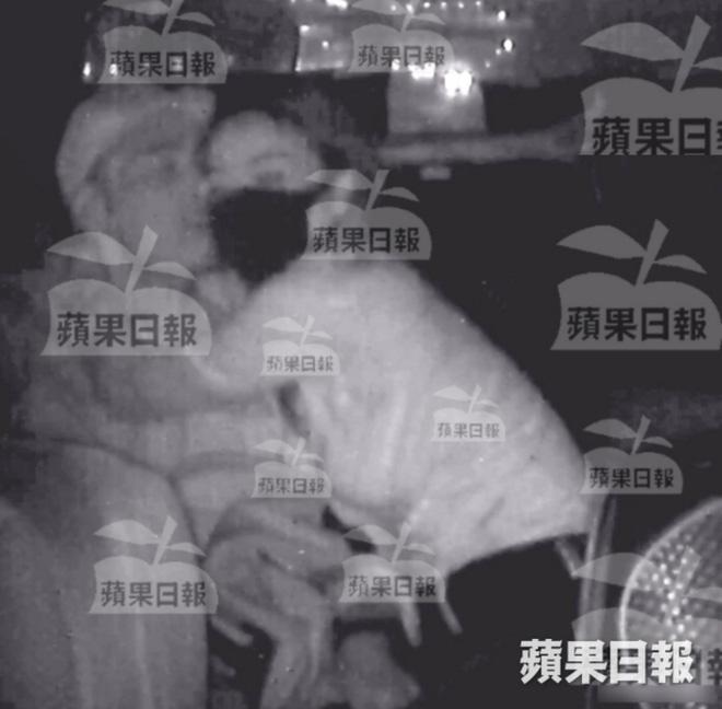 Khuynh quốc khuynh thành thời son trẻ, 6 đại mỹ nhân Trung lại thất bại khi lấy chồng xuất chúng: Ngoại tình gay cấn, bạo lực, tính kế - Hình 30