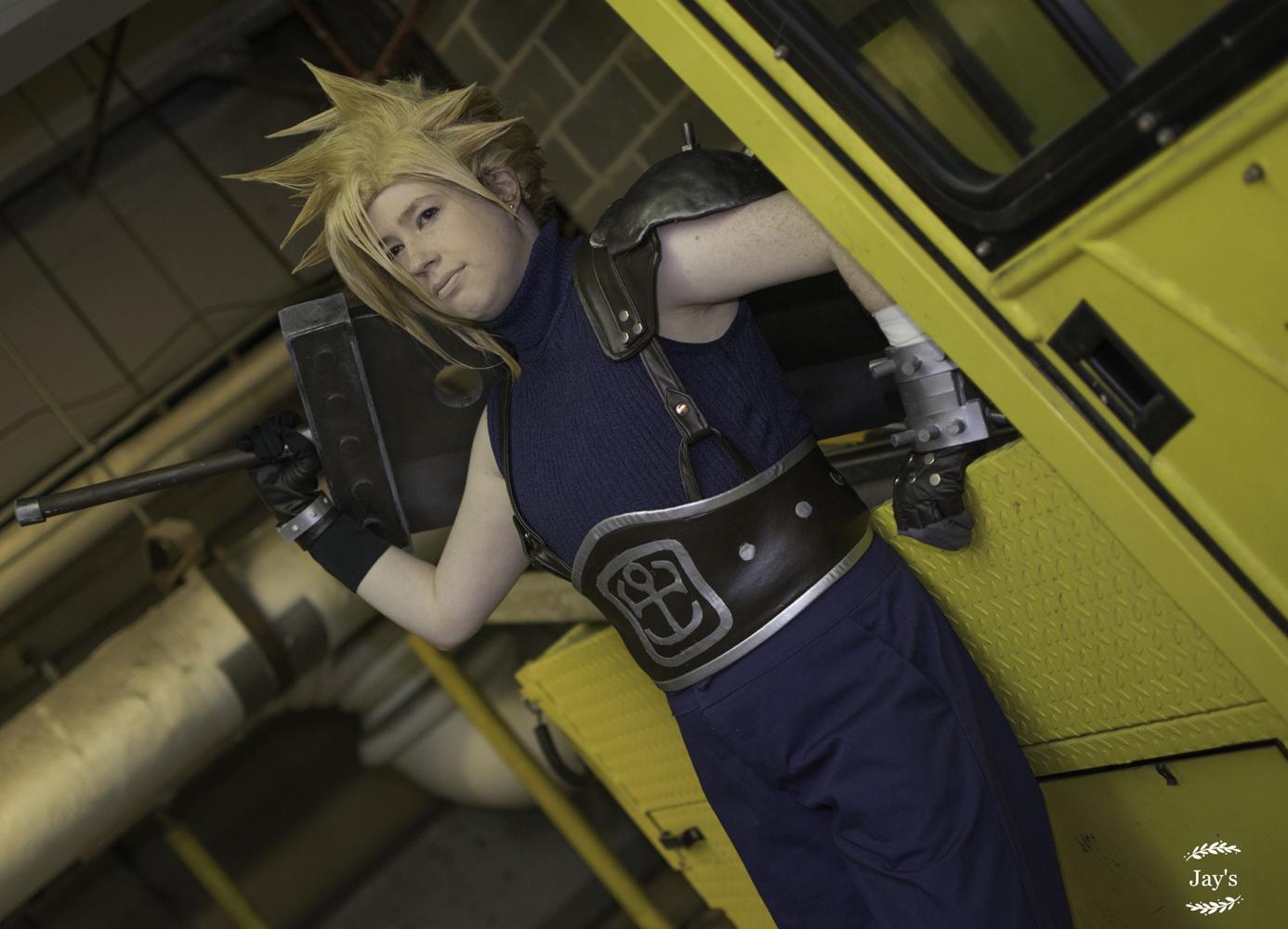 Lại một bản cosplay Cloud Strife đầy bản lĩnh bên thanh kiếm của mình - Hình 8