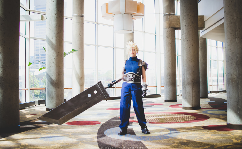 Lại một bản cosplay Cloud Strife đầy bản lĩnh bên thanh kiếm của mình - Hình 7