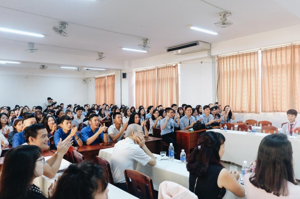 Sinh viên Ngoại giao khám phá di sản miền Trung - Hình 2