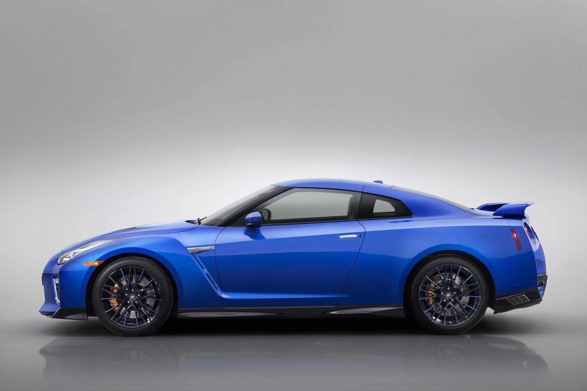 Ảnh chi tiết Nissan GT-R 2020 phiên bản kỷ niệm 50 năm - Hình 10