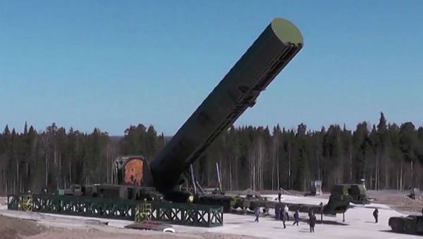 Báo Anh nói về sức mạnh tên lửa Nga xóa sổ cả vùng lãnh thổ bằng nước Anh - Hình 1
