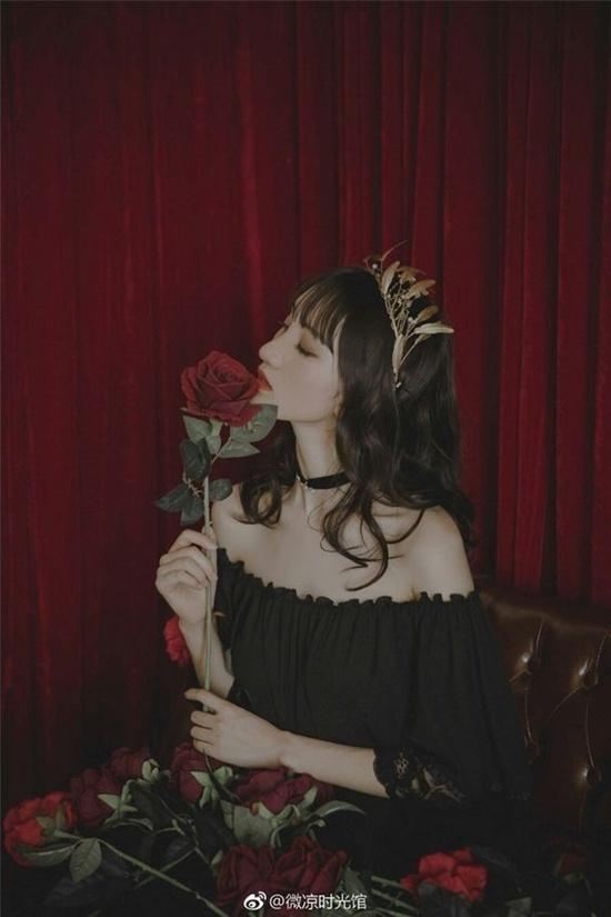 Đi qua những tổn thương, phụ nữ phải là bông hoa hồng có gai, nhìn thì đẹp nhưng động vào thì rỉ máu - Hình 3