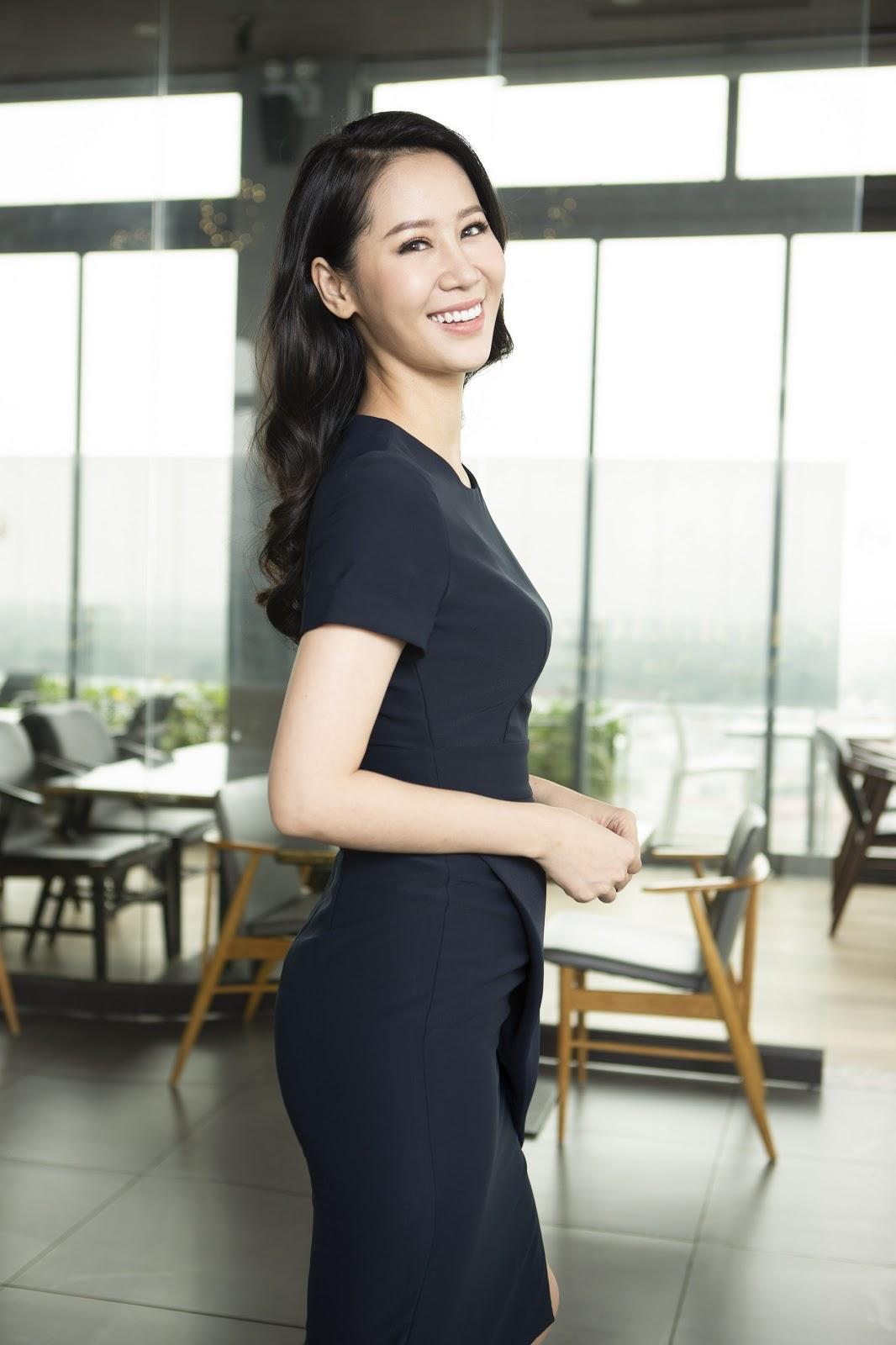 Dương Thùy Linh 'hack tuổi' giữa nắng hè cùng trang phục Elise - Hình 6