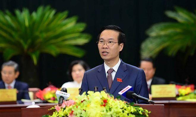 Ông Võ Văn Thưởng: Nếu không kiên trì đánh roi người xả rác, Singapore có được như hôm nay? - Hình 1