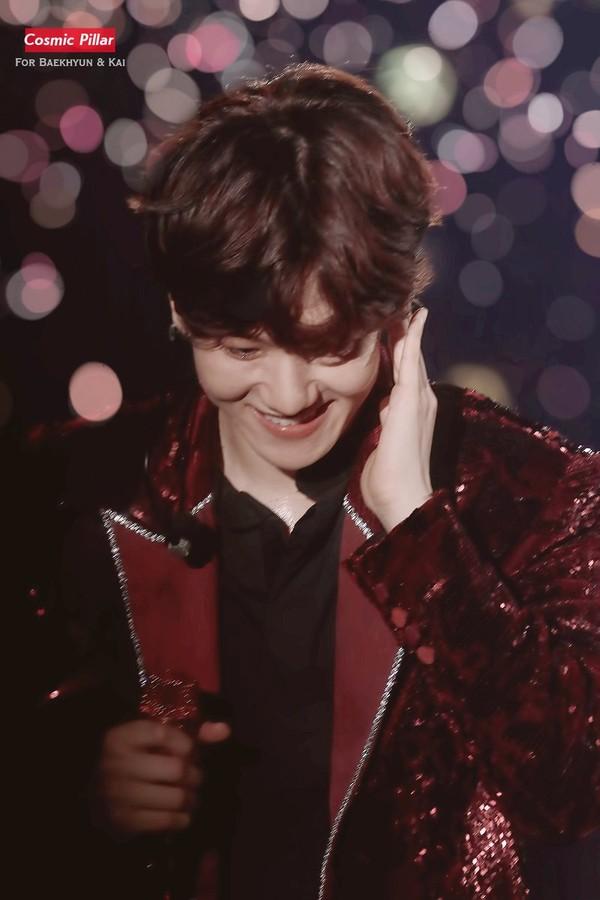 Fanboy tỏ tình ngay giữa concert và đây là phản ứng đáng yêu của Baekhyun (EXO) - Hình 3