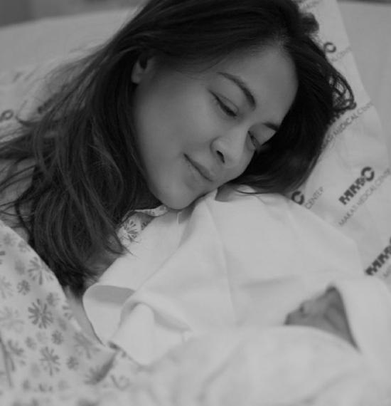 Hình ảnh cận mặt đầu tiên của con trai mỹ nhân Philippines - Marian Rivera, đúng là đẹp như tranh! - Hình 1