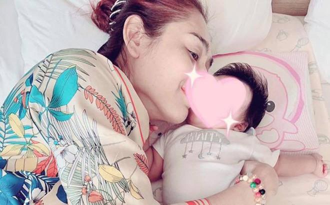Lâm Khánh Chi hạnh phúc với khoảnh khắc chồng trẻ lo từng miếng ăn giấc ngủ cho con trai - Hình 3