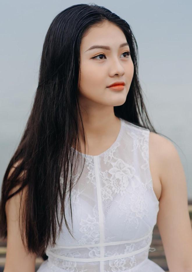 10X Đồng Nai cao 1,72 m, biết 2 ngoại ngữ, từng tham gia Miss Teen - Hình 2