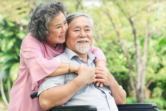 Cảnh báo suy nhược cơ thể cho người già - Hình 1