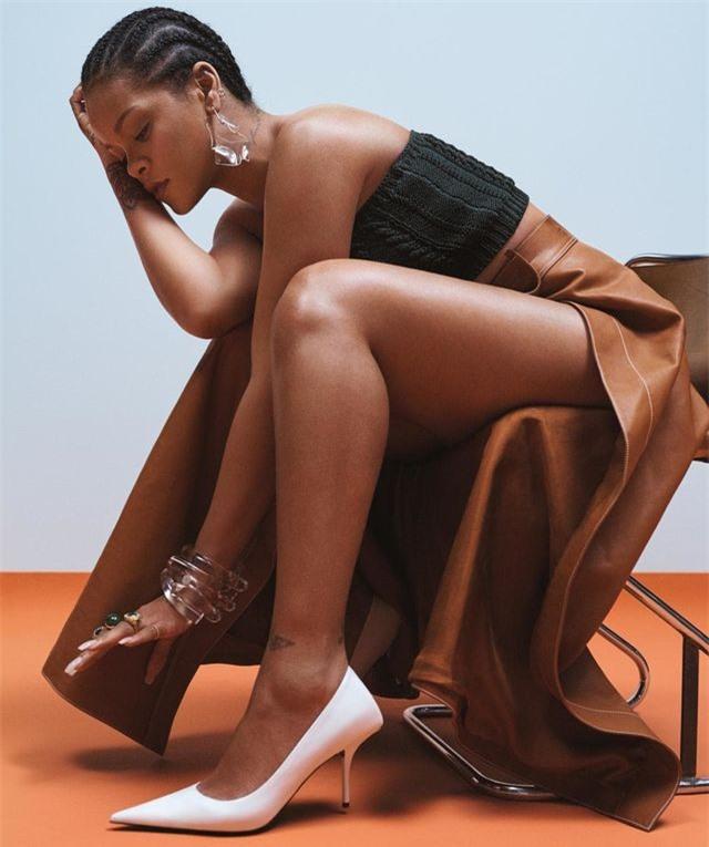 Rihanna quyến rũ trên tạp chí Vogue - Hình 3