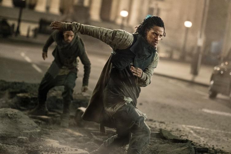 Chris Hemsworth quậy tưng màn ảnh rộng trong trailer mới nhất của Men in Black: International - Hình 6