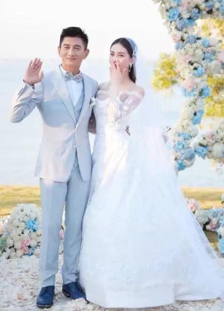 Những chiếc váy cưới của sao Hoa Ngữ: Xa hoa nhất là của Angelababy trong khi Lâm Y Thần lại khiêm tốn, không khoa trương - Hình 2