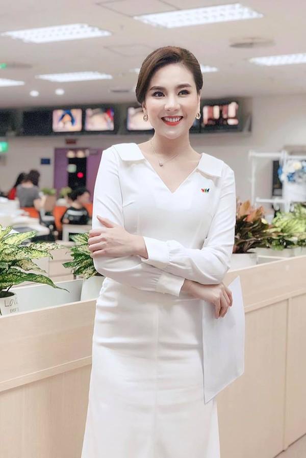Khoe ảnh trong phòng gym, MC Mai Ngọc khiến khán giả thích thú vì vẻ gợi cảm và khỏe khoắn - Hình 9