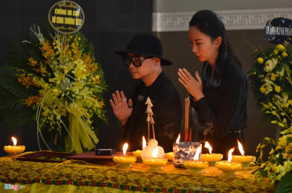 Nhiều nghệ sĩ Việt khóc khi viếng người mẫu Hà Nội qua đời ở tuổi 37 - Hình 9