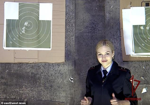 Nữ vệ sĩ của Putin dành vương miện đẹp nhất quân đội Nga - Hình 4