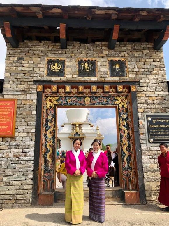 Ốc Thanh Vân kể về Mai Phương trong chuyến đi Bhutan: Khi em tôi đứng cầu nguyện, bất giác tôi bật khóc. Em tôi khóc - Hình 9