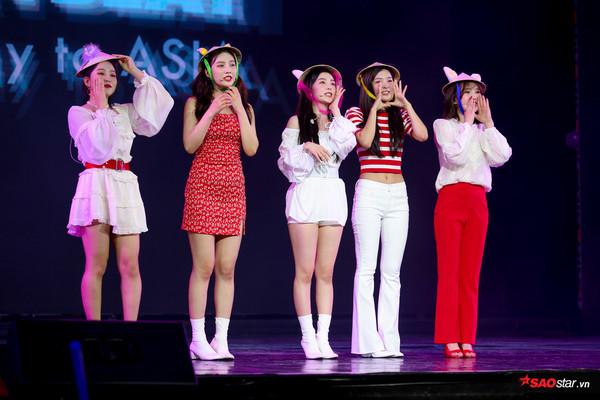 Kpop tuần qua: BTS dính phốt, Yoochun giải nghệ, Red Velvet xinh đẹp rực rỡ trong lần đầu tiên đến Việt Nam - Hình 10