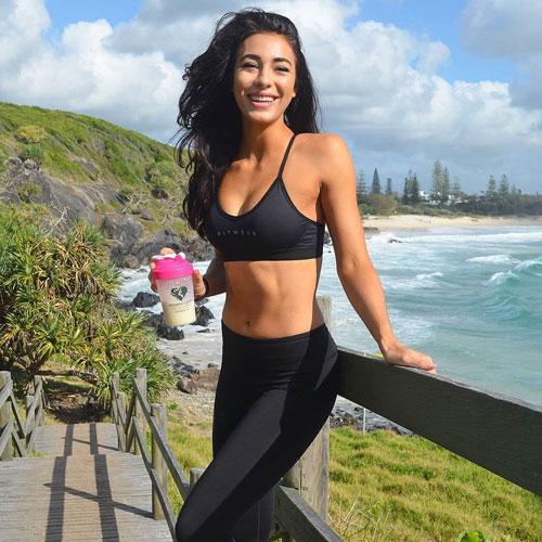Đường cong 'chuẩn không cần chỉnh' của nữ HLV thể hình người Australia - Người đẹp