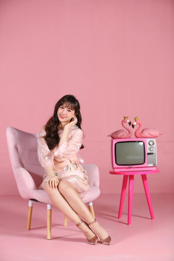 Bất ngờ comeback, Hari Won khiến netizen xôn xao: Cô ấy đang hack tuổi? - Hình 11