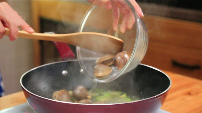 Bữa tối có món canh này ăn với cà pháo muối chua thì sơn hào hải vị cũng chẳng sánh bằng! - Hình 4