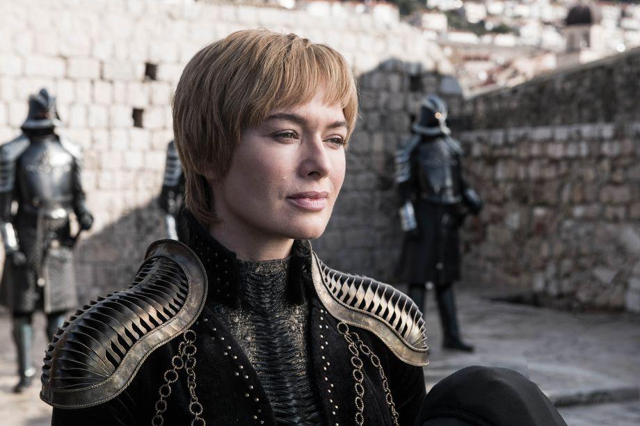 Hành trình thăng trầm của nữ hoàng Cersei Lannister qua những bộ váy tinh xảo - Hình 14