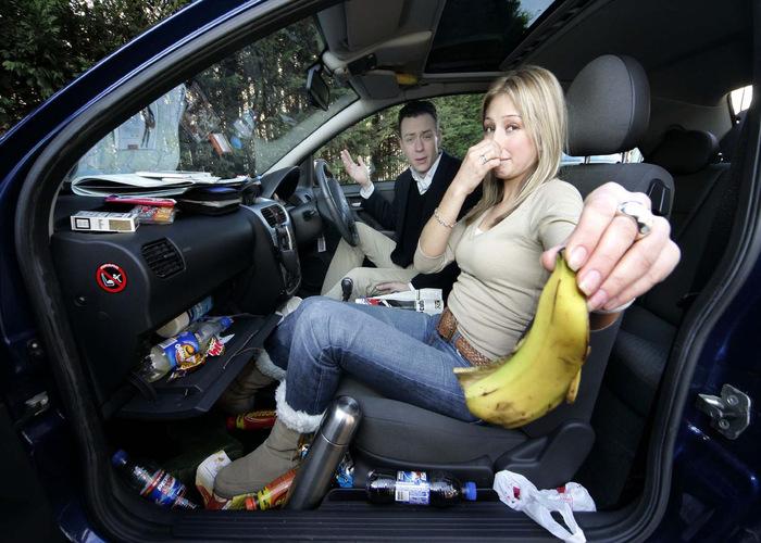 Mách bạn mẹo khử mùi hôi khó chịu trên xe hơi để thoải mái vi vu dịp lễ - Hình 1
