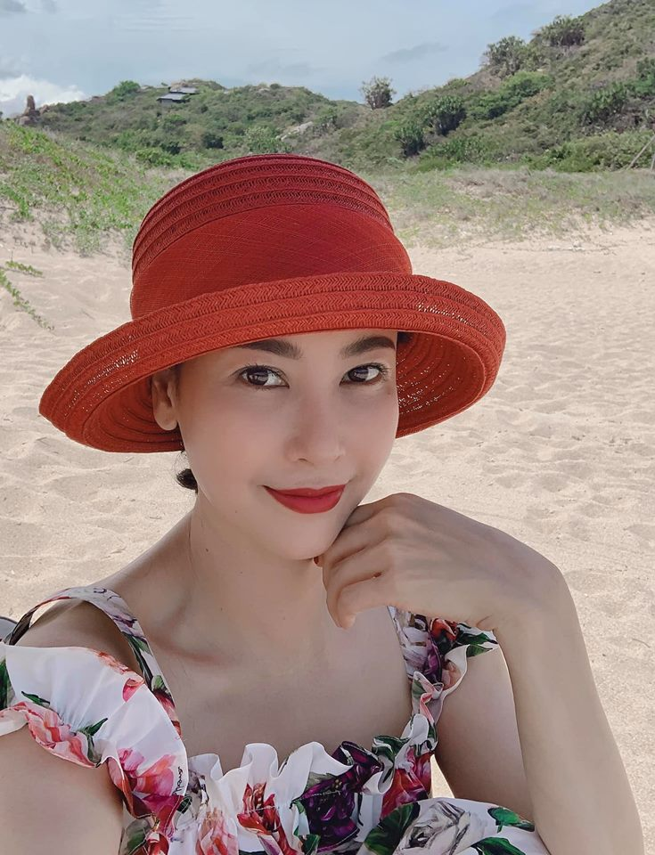 Những Hoa hậu tuổi U50 vẫn xinh đẹp, gợi cảm bậc nhất showbiz - Hình 6